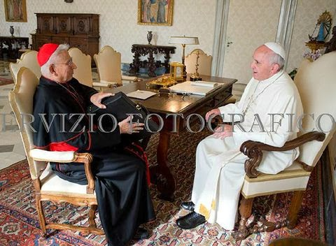 Papa y cardenal Castrillon